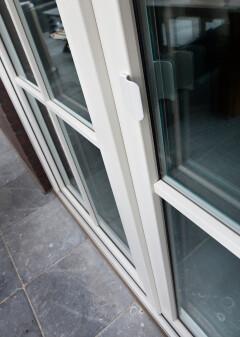 Kunststof deur wit in Peize, Roden, Haren en Groningen